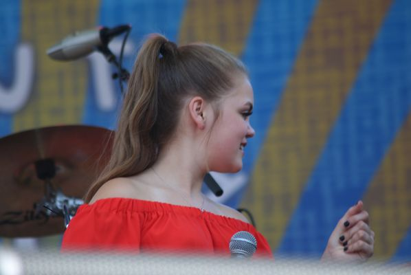 Sarah Grace And The Soul At Waterfront Blues Festival July
