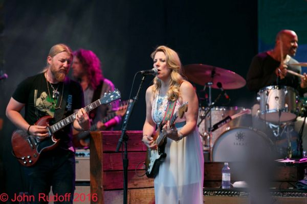 Tedischi Trucks Band