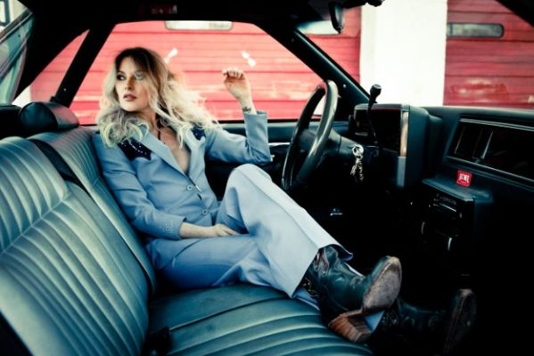 Elizabeth Cook // Photo by Jim McQuire