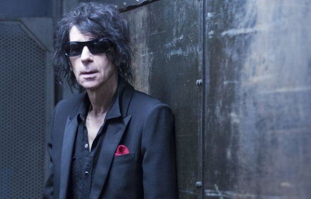 Peter Wolf is out with a new album // Photo by Joe Greene